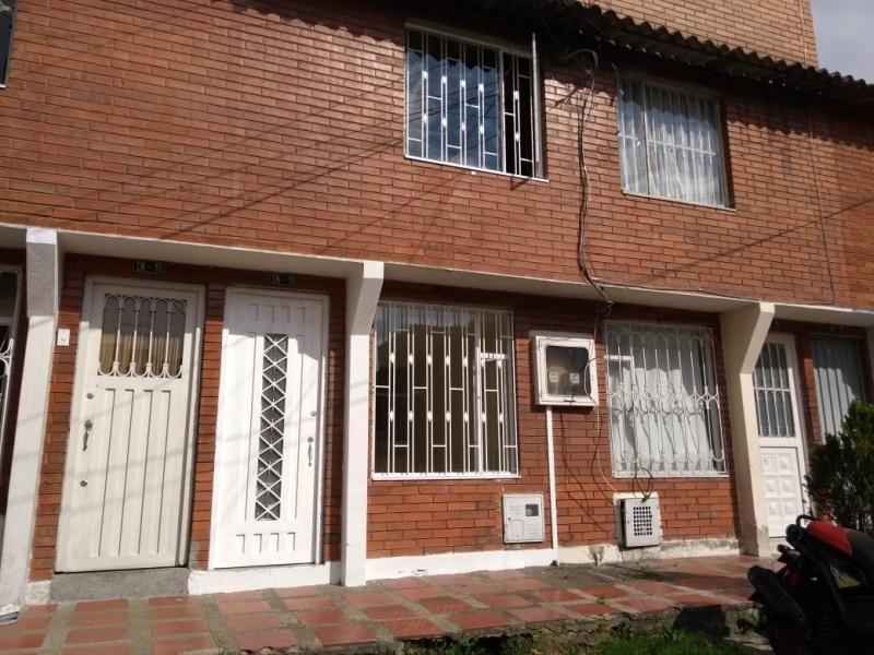 Casa En Venta En Bogota Suba Rincon Cod. VBAAV11135