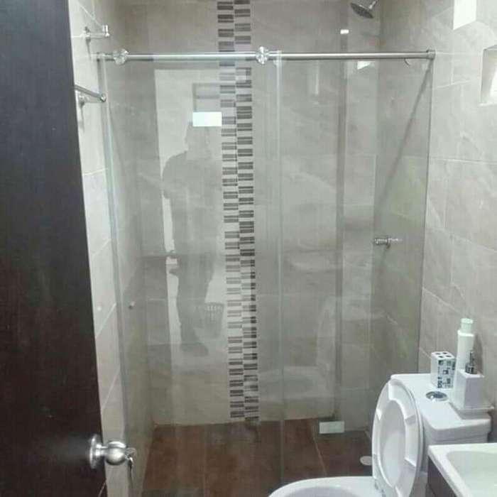 Divisiones de baño en vidrio templado, excelente precio y. calidad.