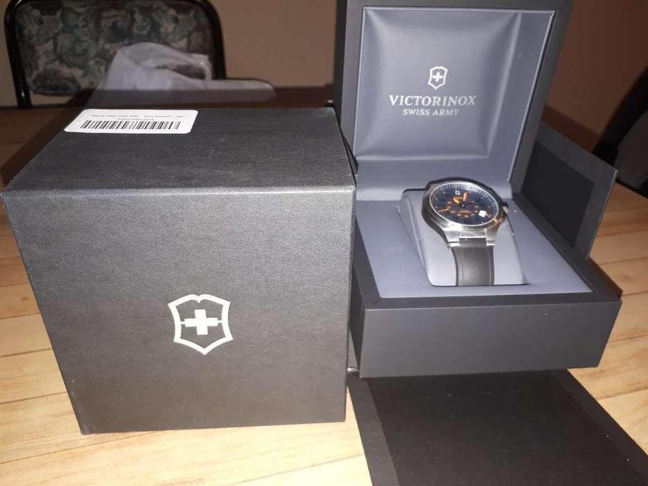 Vendo Reloj Victorinox Base Camp