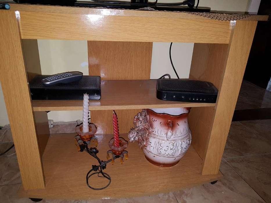 Mesa para Tv Grande Como Nueva Impecable