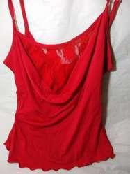 solerita remera roja con encaje para noche hermosa