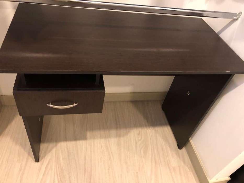 EXCELENTE <strong>escritorio</strong> sencillo , una gaveta