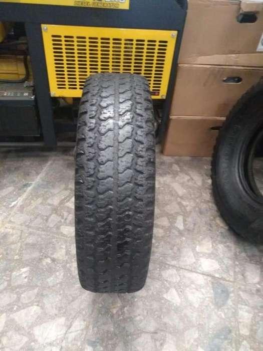 <strong>neumatico</strong> 235/75 r15 Firestone Radial usado