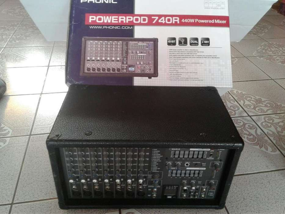 Consola Phonic 740 R 440 Watts Seminuevo