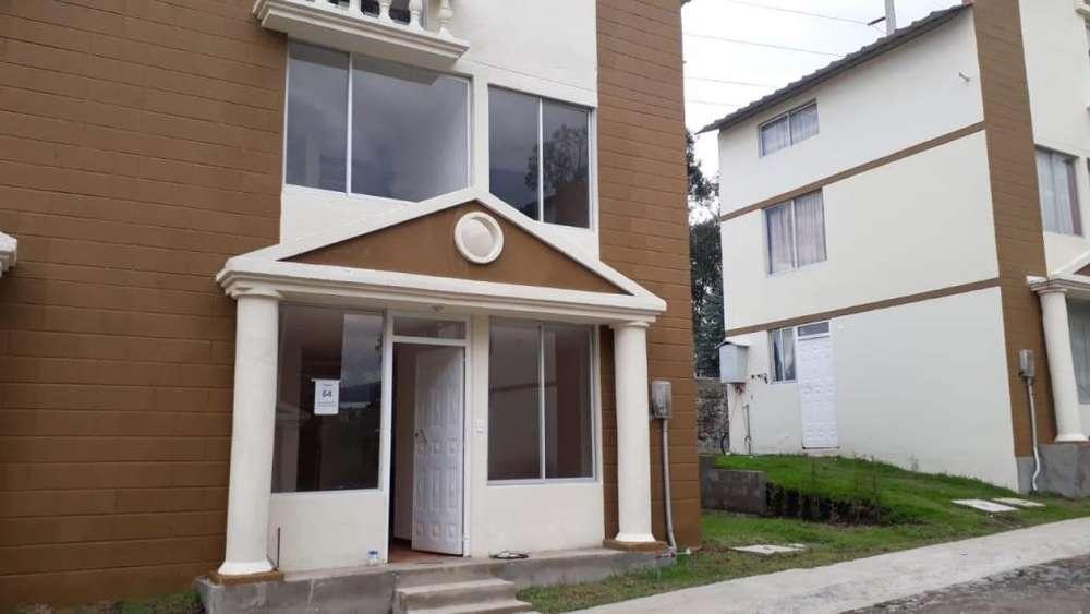 Casas De Venta en Sangolqui Valle de los Chillos Quito Cod: V121