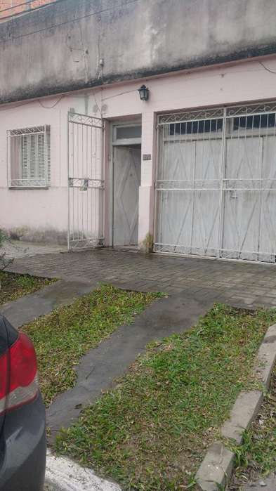 Casa 3 Amb, Cochera,patio. Corrientes