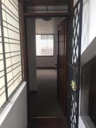 Oficina 46m2 Con Baño. 10 De Agosto Y Daniel H. Orellana.