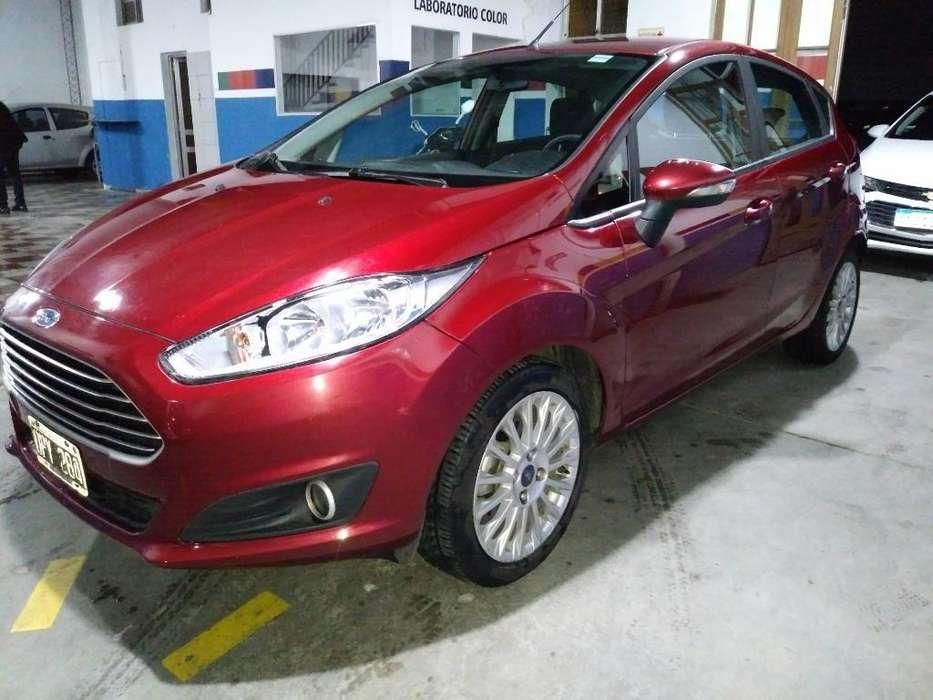 Ford Fiesta  2015 - 92000 km