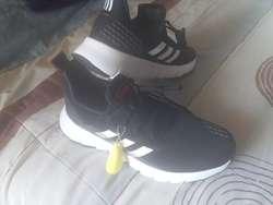 Zapato adidas: Ropa y Calzado en venta en Azuay | OLX