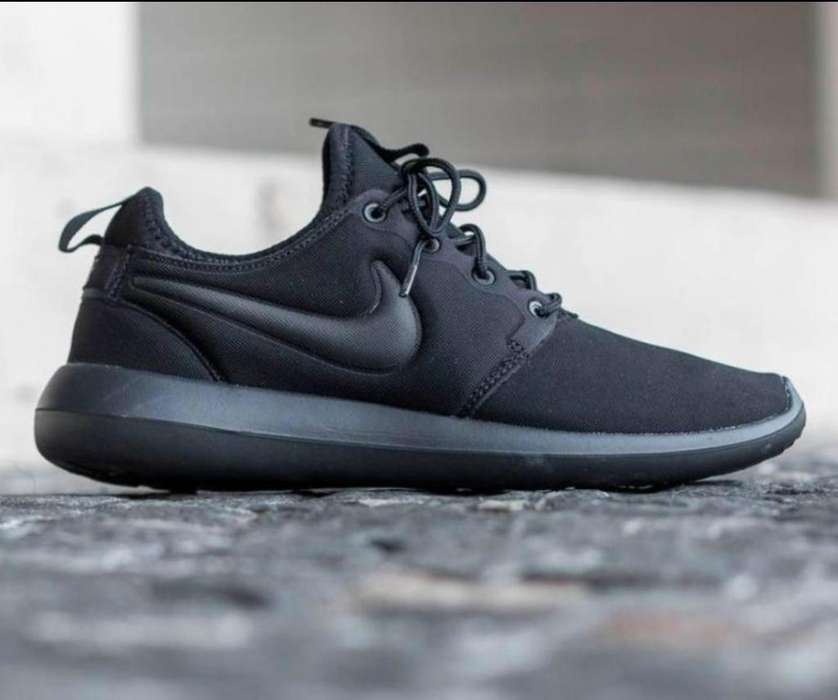 Zapato Nike Roshe Blan Negr