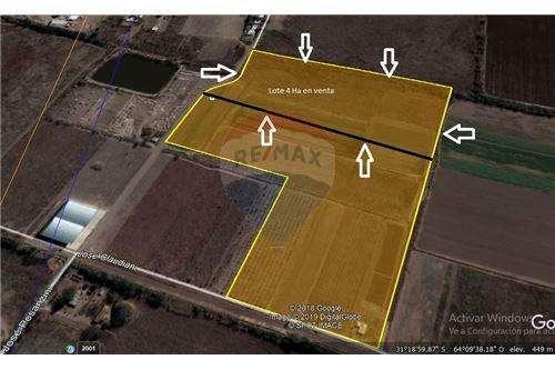 Remax vende terreno para desarrollo de 4 Ha