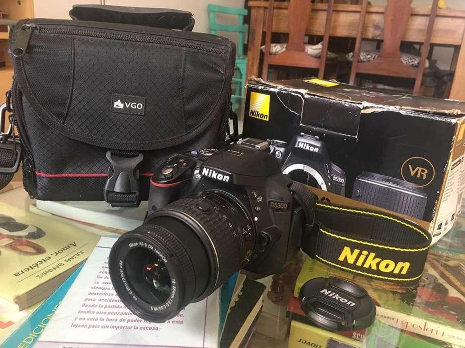Nikon D5300 Impecable