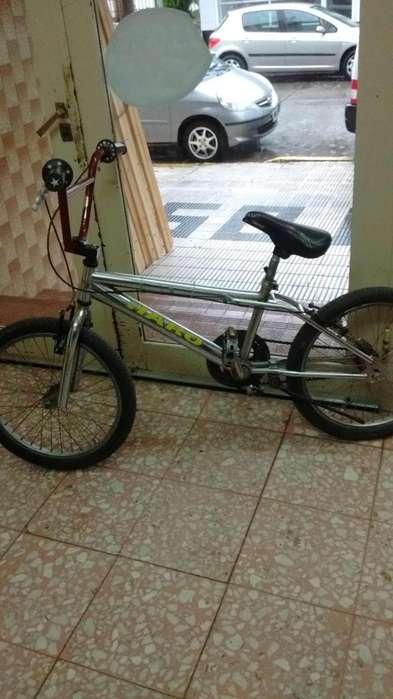 vendo bici de salto 3000 llamar 15521754