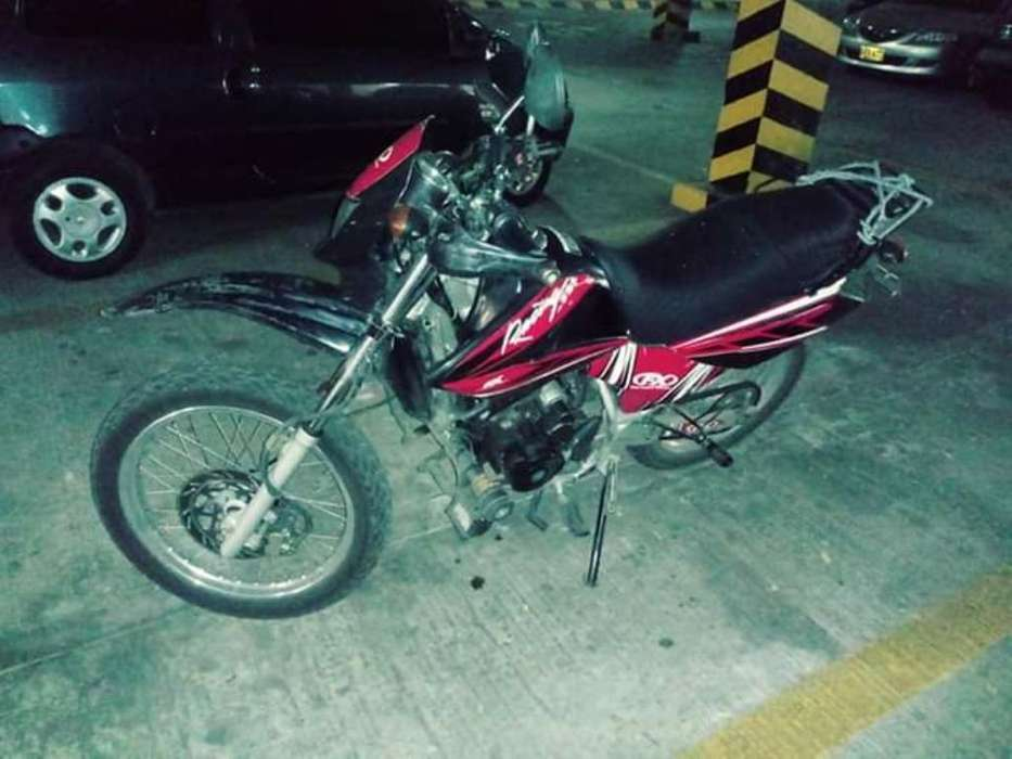 Se Vende Moto Modelo 2012