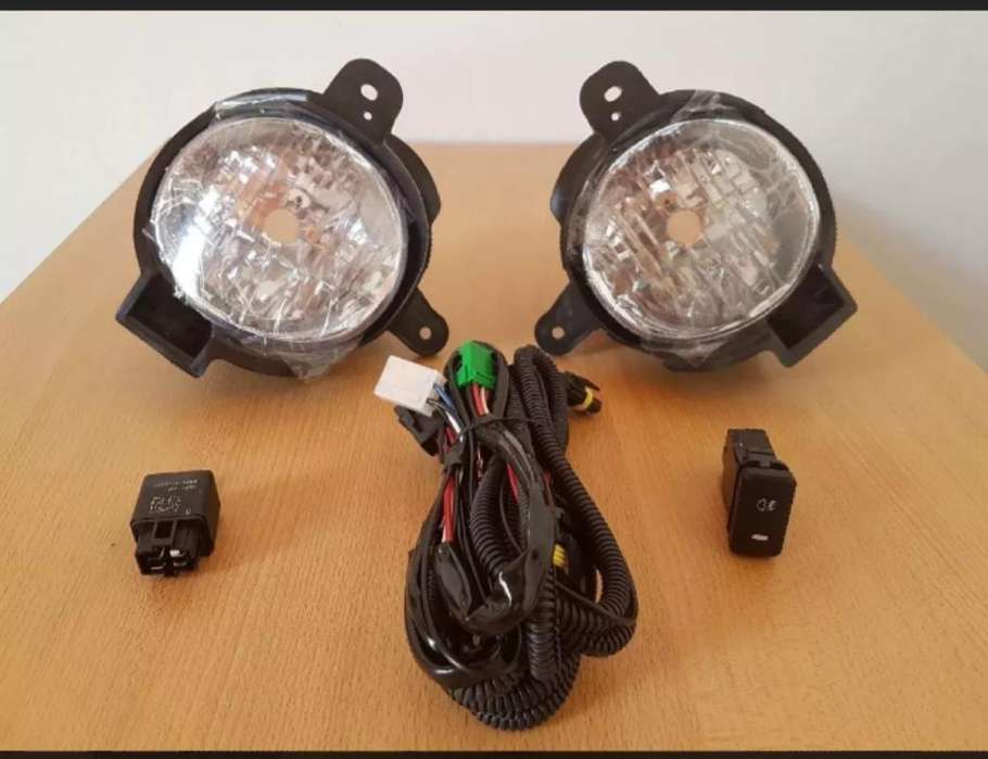 Kit <strong>faros</strong> Antiniebla Toyota Hilux 2012