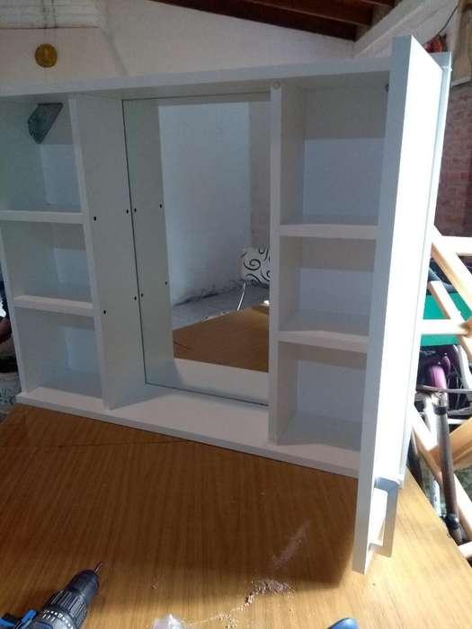Mueble Colgante para Baño con Espejo