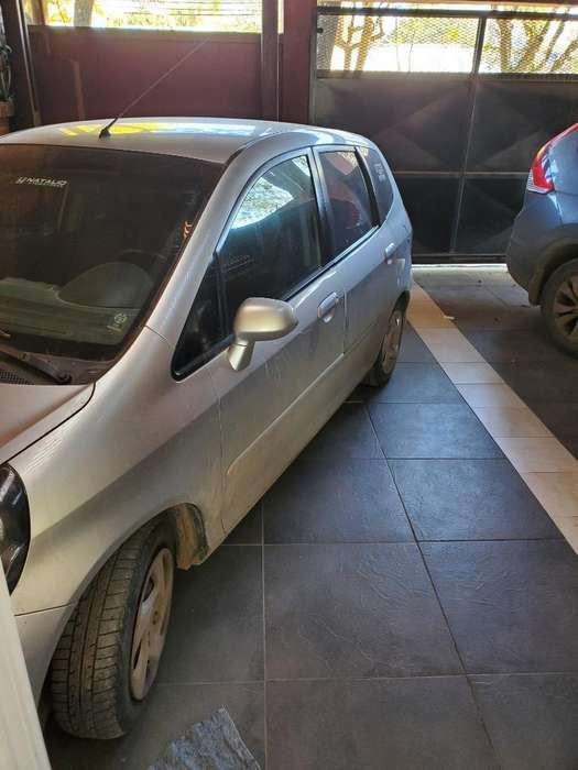Honda Fit 2008 - 169000 km