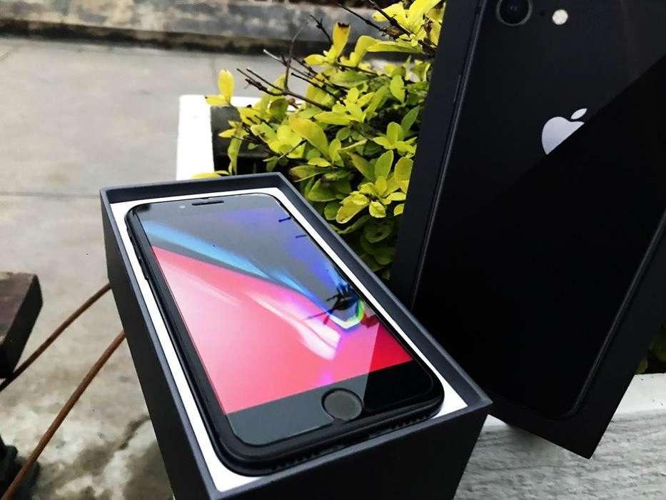 Oferta iPhone 8 64gb en caja como nuevo, cable y cubo
