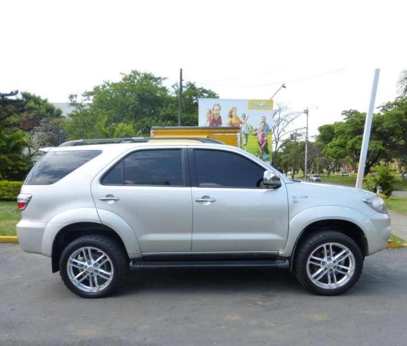 Toyota Fortuner 2011 - 126000 km
