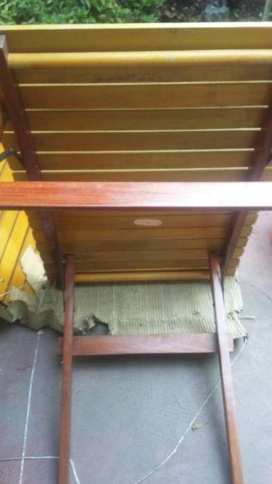 mesa de camping de madera nueva de años 70