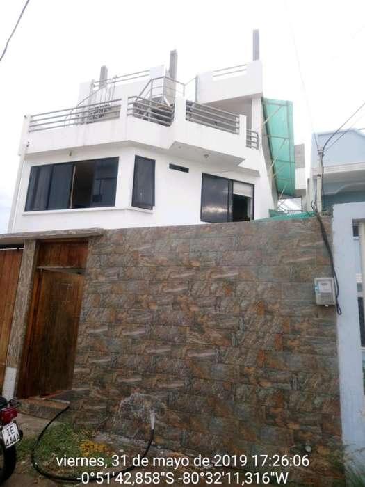 Venta de casa en Los Arenales - Crucita - Manabí - a 120 metros del Malecón