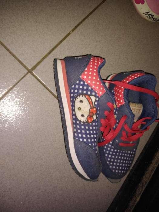 Vendo Zapatillas de Nena