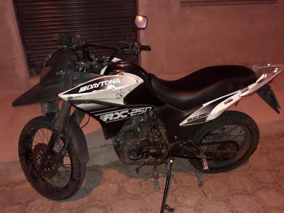 Vendo moto Daytona rx250