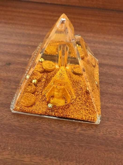 Piramide Decorativa