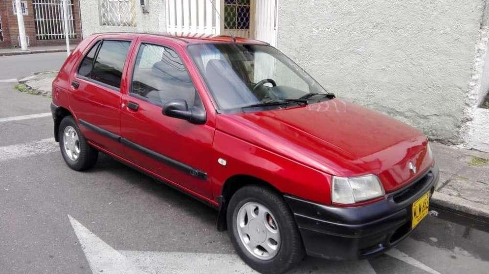 Renault Clio  1993 - 300000 km