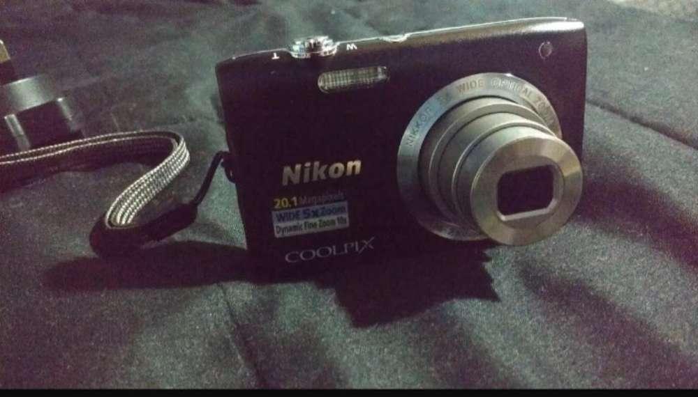 Cámara Nikon Coolpix S2900 20.1megapixel