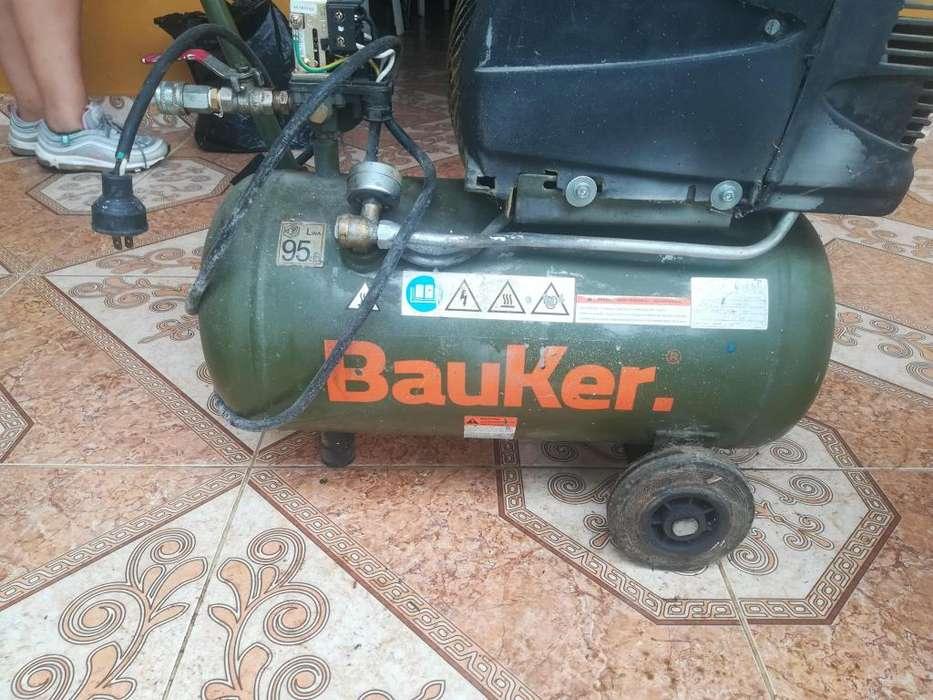 Vendo compresor de aire maraca Bauker