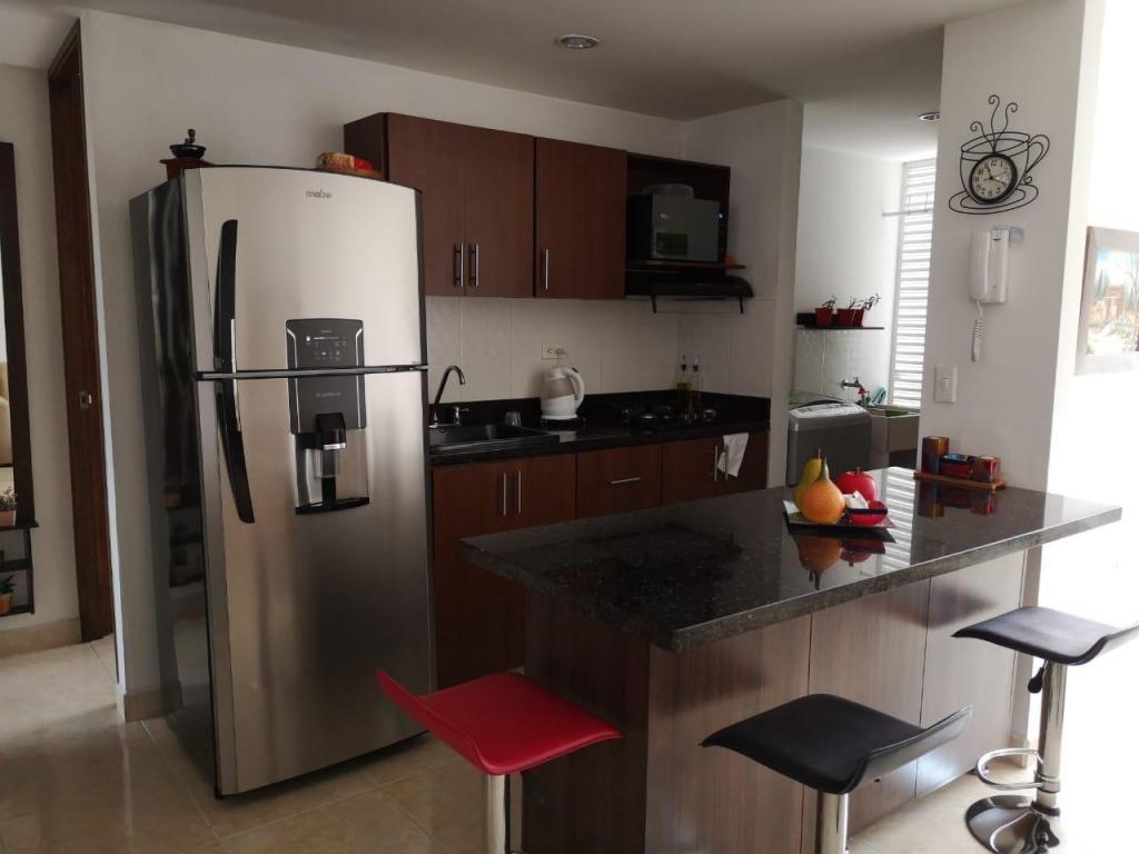 Apartamento Piso 8 Sector Paso Ancho. Código 879361