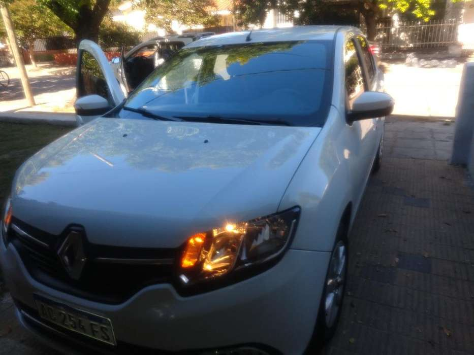 Renault Logan 2018 - 7500 km