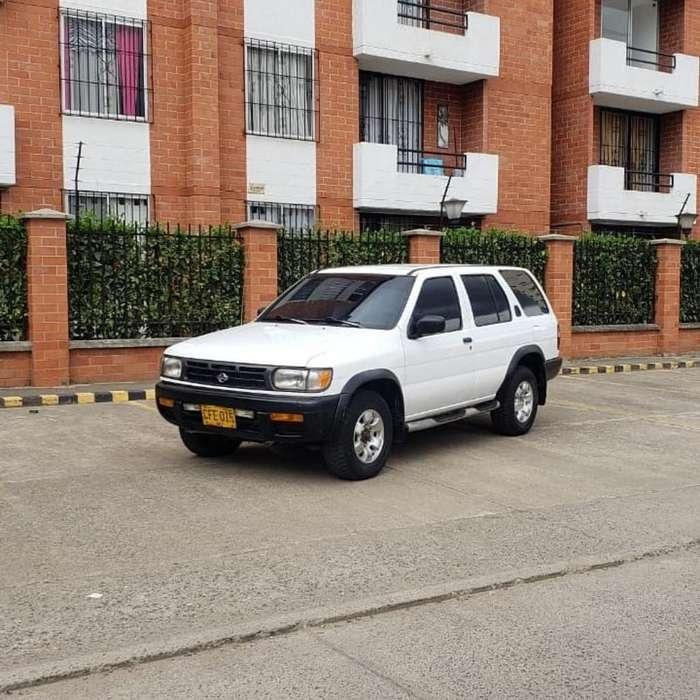 Nissan Pathfinder 1998 - 13500 km