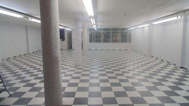 Piso 2. Local de 280 m2, area abierta, incluye tres <strong>oficina</strong>s 57563