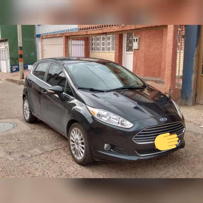 Ford Fiesta  2015 - 54000 km