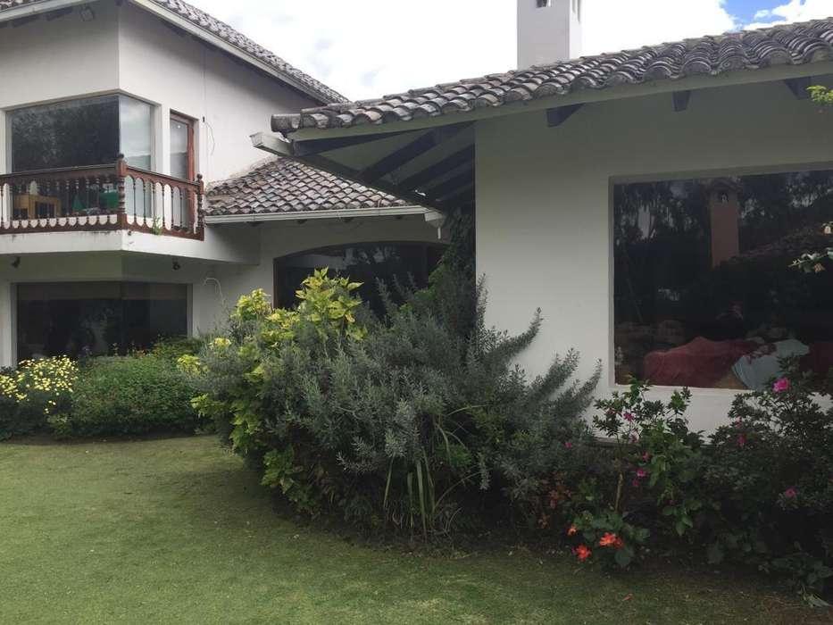 Vendo Espectacular.casa en Cumbaya