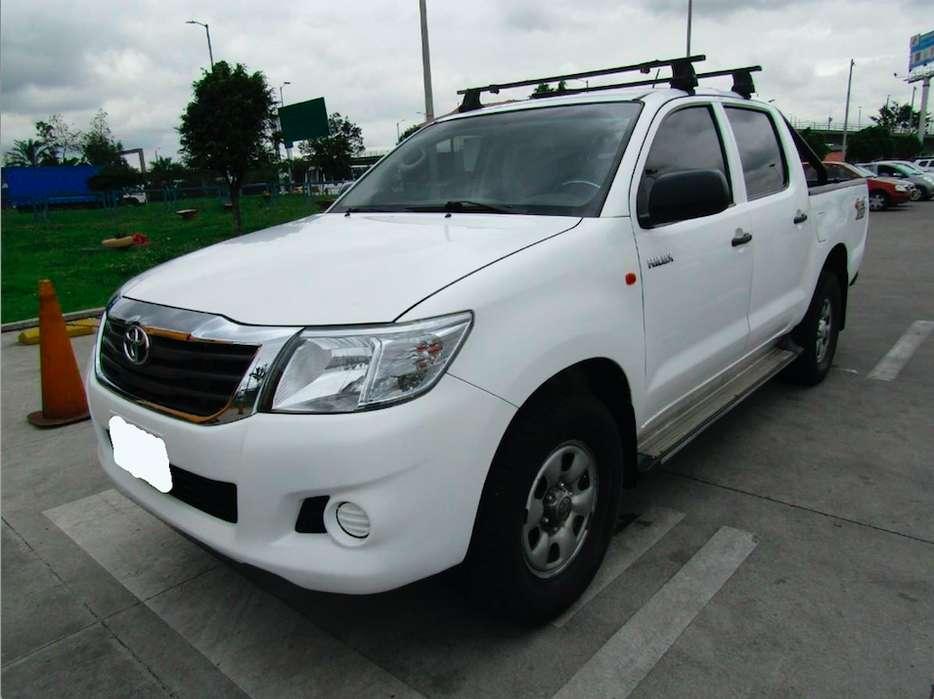 Toyota Hilux 2015 - 42100 km