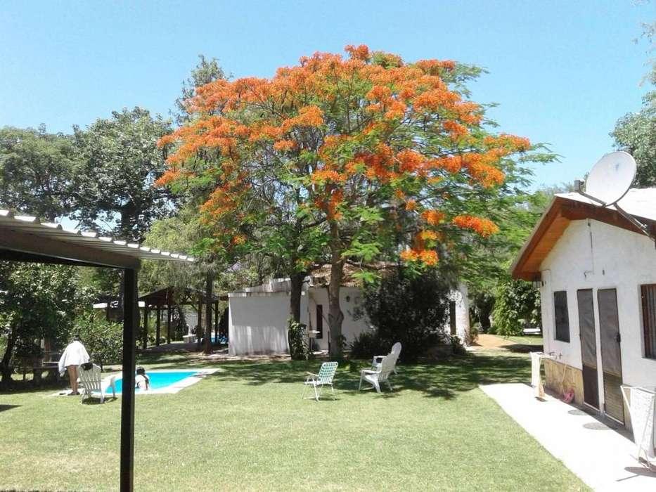 lu85 - Cabaña para 2 a 4 personas con pileta y cochera en Termas De Rio Hondo