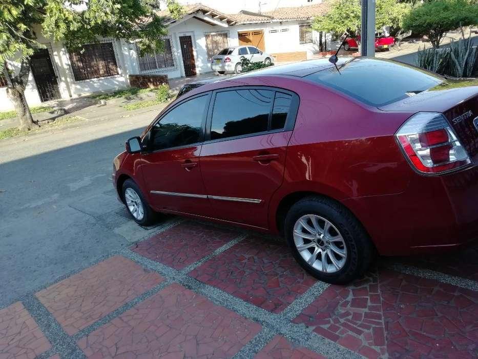 Nissan Sentra 2011 - 75000 km