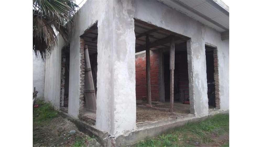 Casa A Terminar - Calle Caputo 1400 - UD 45.000 - Casa en Venta