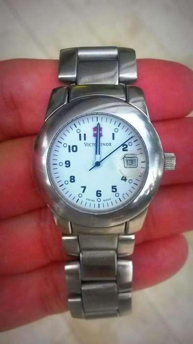 Reloj Victorinox de Swiss Army, Original, Estilo Clasico, Unisex, Usado muy Poco, Estado 10 de 10...