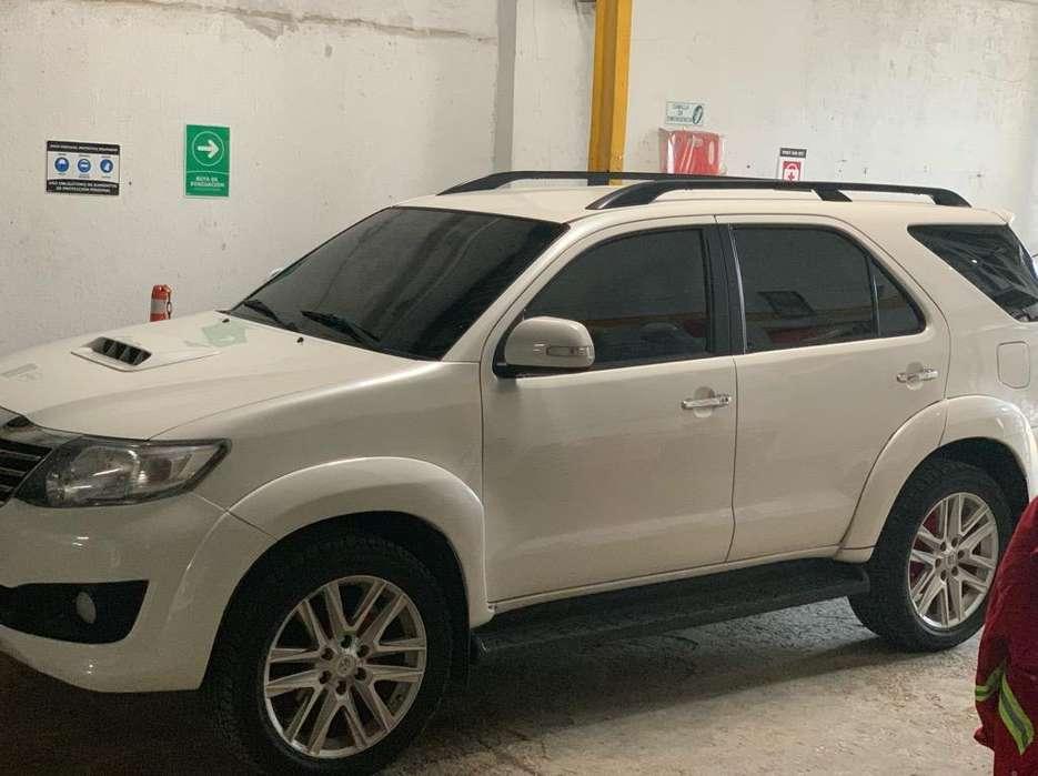 Toyota Fortuner 2014 - 130000 km