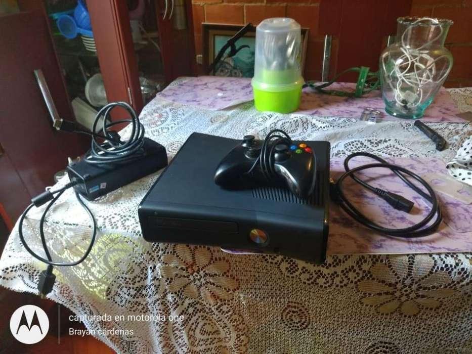 xbox 360 con 60 juegos incorporados, 1 control y respectivos cables...