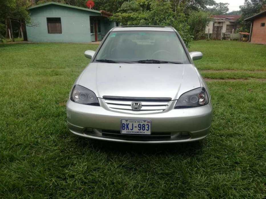 Honda Civic 2002 - 123456789 km