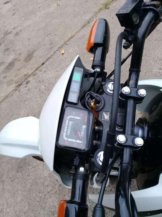 Vendo Moto <strong>honda</strong> Xr125 Modelo 2012