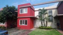 Urbanizacion Brisas del Norte VENDO preciosa villa dos plantas, tres dormitorios