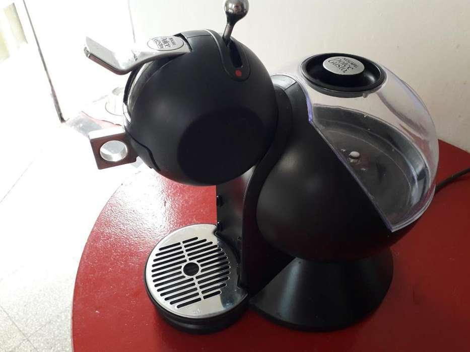 Cafetera Nescafe Dolce Gusto . Moulinex