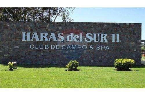 Terreno Haras II, excelente ubicacion sobre golf