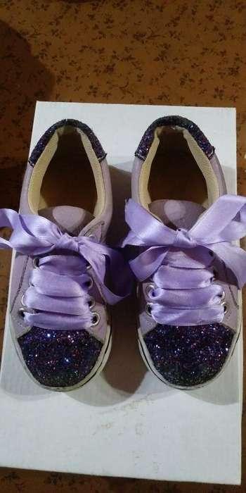 Vendo Zapatillas Nena N 26